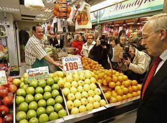manuel_pizarro_visita_mercado.jpg