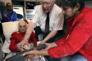 92-anos-desde-ambulancia-en-oakwell