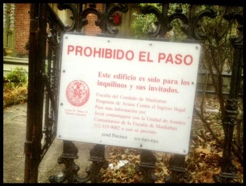 Señal de Prohibido el Paso en Harlem