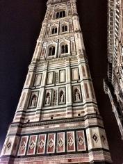Torre campanario posterior