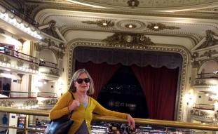 Bego Grand Splendid con escenario
