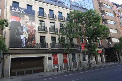 EL MUNDO PSOE APR