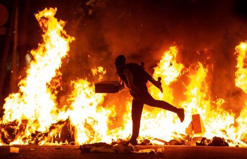 Incidentes en la manifestación convocada por los CDR por el centro de Barcelona